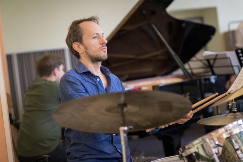Martin Novák na zkoušce Concept Art Orchestra (2019) / Foto Jan Mazura
